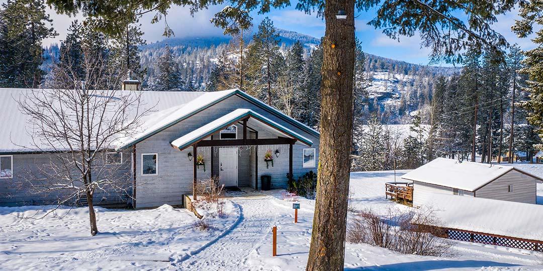 Selkirk Lodge in Winter